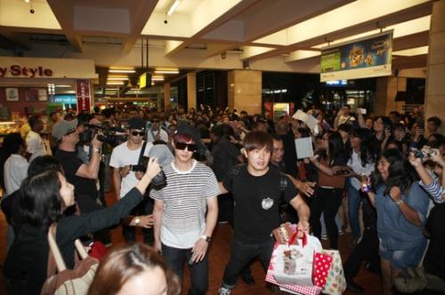 MBLAQ тепло встречены Индонезией в рамках турне 'The BLAQ% Tour'