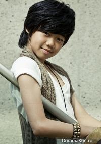 Пак Чжи Бин / Park Ji Bin
