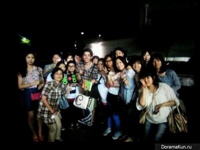ЧханМин из 2АМ с фанатами