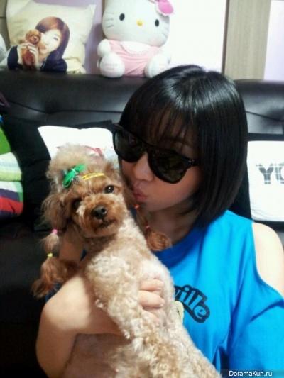 Минзи из 2NE1 и Дуги