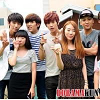 Участники B1A4 провели свидания с тремя счастливыми поклонницами!