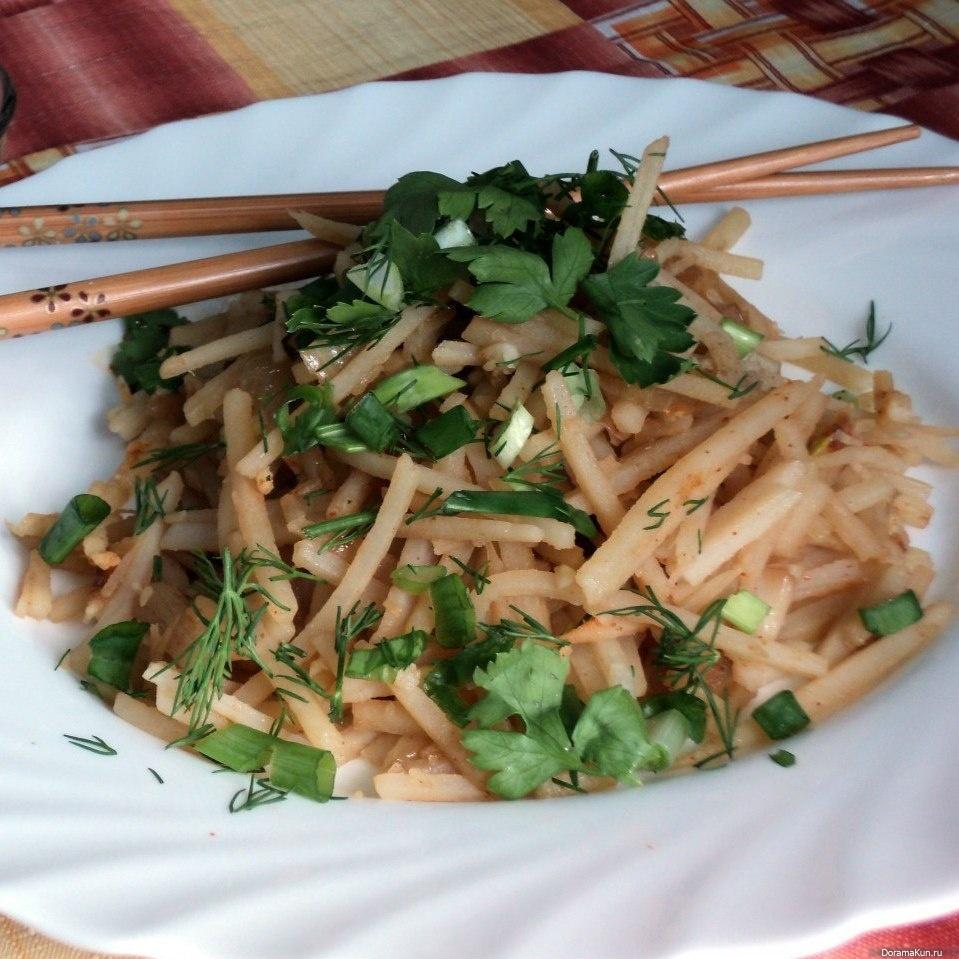 Салат корейская картофель с мясом