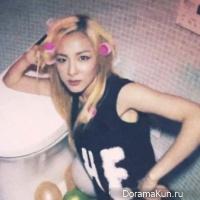 2NE1 развлекаются в ванной комнате в тизере клипа для 'Do You Love Me'