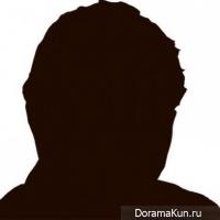 Бывший участник идол группы 'A' обвиняется в сексуальном домогательстве к другому мужчине