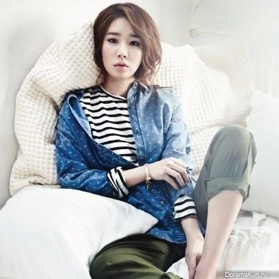 Ю Ин На снялась в фотосессии одежды Denim для журнала InStyle Korea