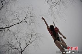 Китайские танцовщицы на пилоне