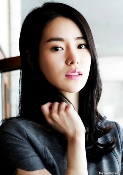 Ji-Yeon Lim Nude Photos 30