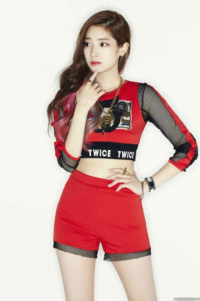 Корейский музыкальный коллектив TWICE, творческая биография группы и каждой участницы....