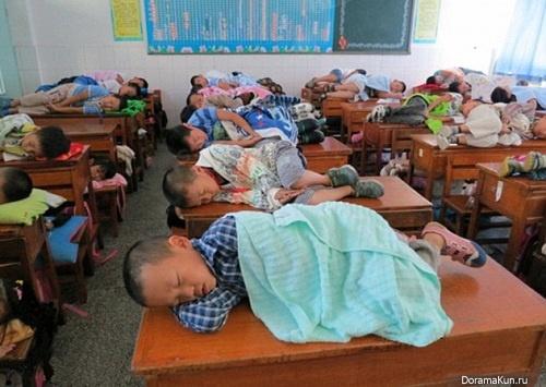 Традиция полуденного сна на партах (Китай)