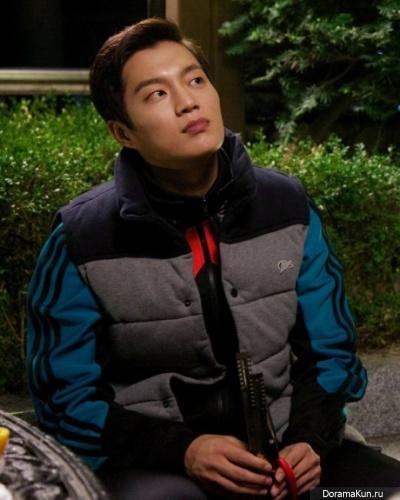 Ду Джун из BEAST превратится в милого служащего для новой дорамы tvN