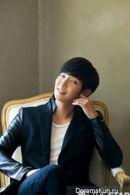 Фото Ли Джун Ки для интервью TheStar