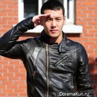 Певец Hwanhee вернется со службы в армии на 2 дня раньше назначенного срока