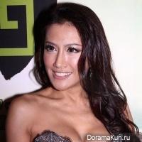 Анджелина Чжан