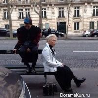 G-Dragon и Тэян на улицах Парижа