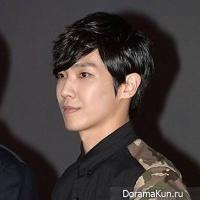 Ли Джун сказал, что его никогда не хвалили за пение