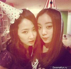Лим, Енни, Сонми и Пак Джи Мин посетили вечеринку в честь дня рождения Юбин