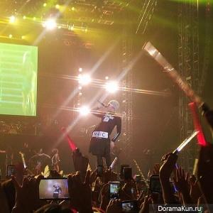 G-Dragon выступил на концерте Джастина Бибера