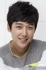 Юн Чон Хун
