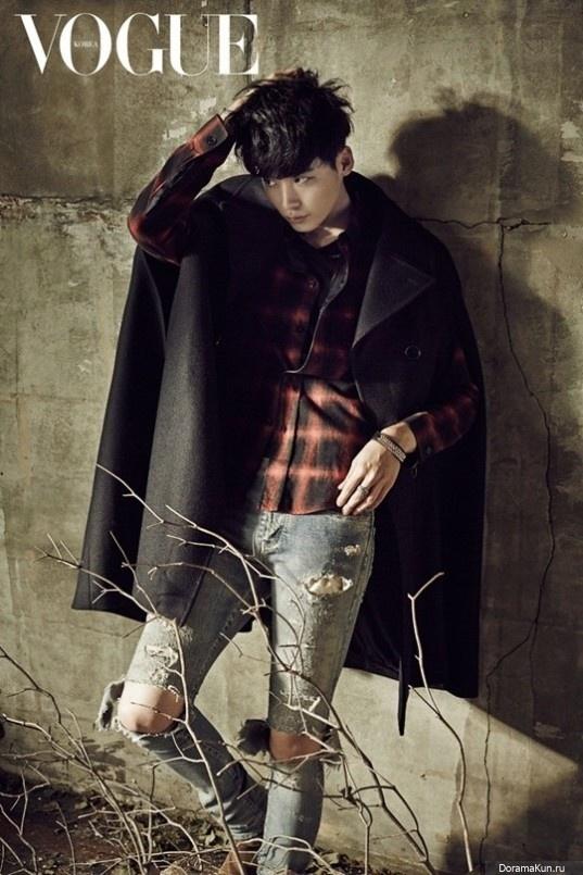 Дерзкий Ли Чон Сок на страницах Vogue Korea