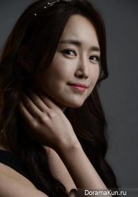 Jung Joo Yeon