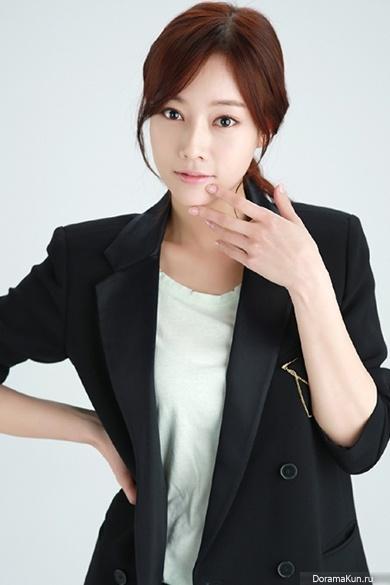 Jang-Ah-Young-1-390.jpg ...