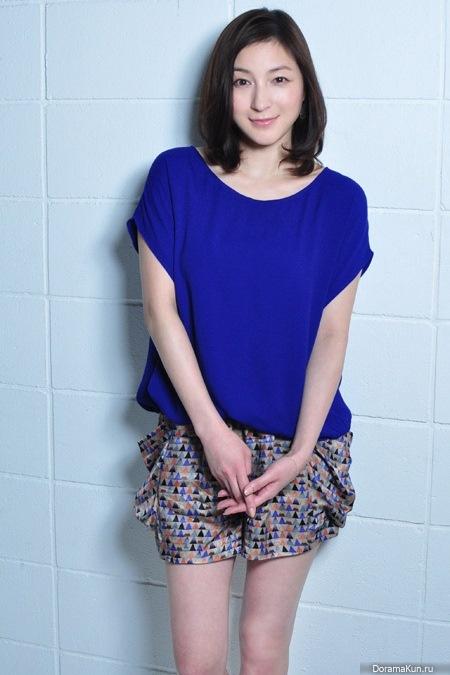 Ryoko Hirosue lipstick