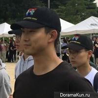 Taecyeon1