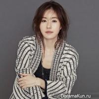 Kim-Ji-Soo01