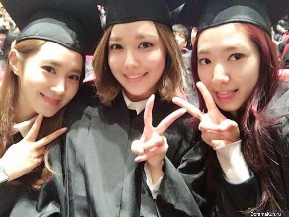 Park Shin Hye, Yuri and Sooyoung