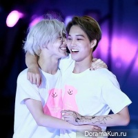 Тэмин из SHINee и Кай из EXO