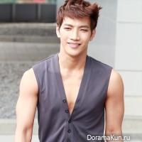 Jun K/2PM