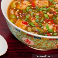 Tofu soup with mushrooms