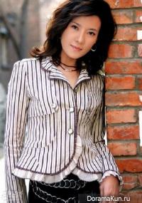 He Jia Yi
