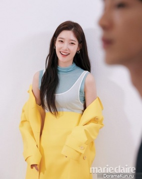 Ji Soo, Jung Chae Yeon