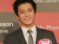 Oguri Shun для BRAVIA® Phone S004