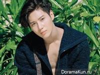 SHINee (Taemin) для Cosmopolitan August 2015