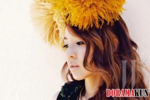 2NE1 для W Korea August 2012