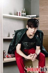 CN Blue's Kang Min Hyuk для SURE Korea August 2012