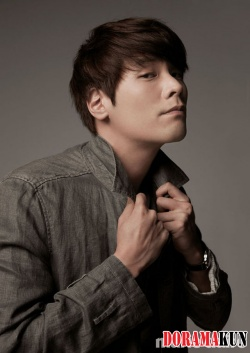 Choi Daniel для Marie Claire Korea August 2012