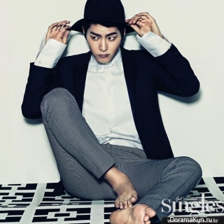 Hong Jong Hyun для Singles March 2014