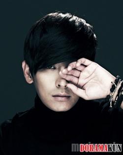 Joo Ji Hoon для MovieWeek 2012