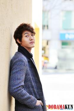 Lee Ki Woo для Newsen 2012