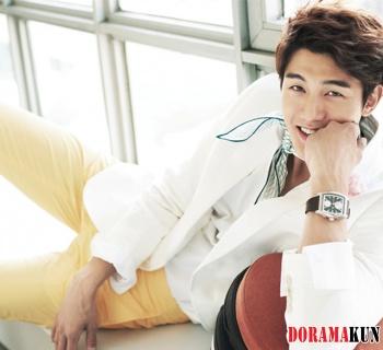 Lee Ki Woo для SURE 2012 Extra