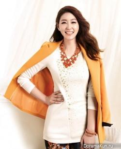 Park Jin Hee для Olivia Hassler Breezy Spring 2013 Ads