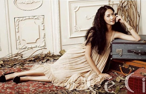 SNSD's Yoona для CéCi Korea November 2009