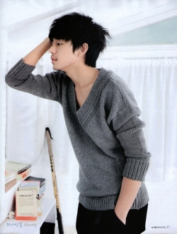 Yoo Ah In для Cine21 Magazine