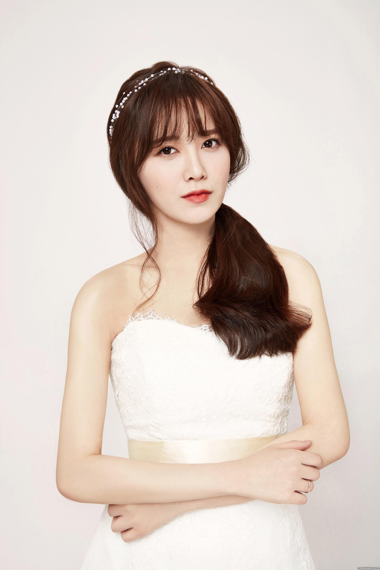 Ku Hye Sun And Ahn Jae Hyun Reveal Wedding Photos Soompi Gu hye sun pictures