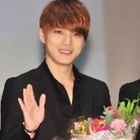 Ким ЧжэЧжун из JYJ достиг 100000 подписчиков на Baidu и стал первым в рейтинге корейских знаменитостей на этом китайском портале