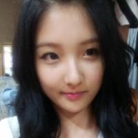 Нам ЧжиХён из 4minute показала свою красивую кожу