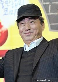 Lee Moon Soo